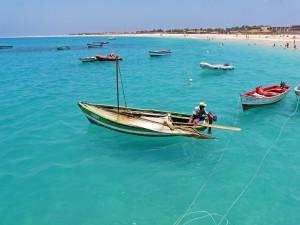 båt och strand kap verde